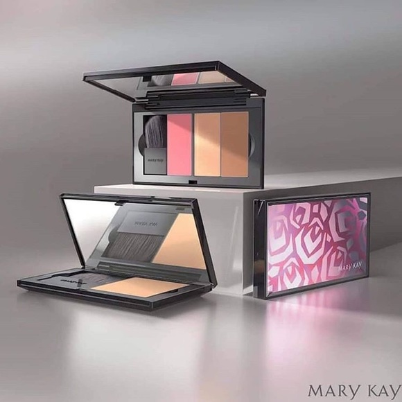 Mary Kay Makeup New Perfect Palette Refillable Compact